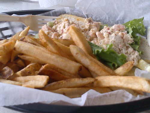 Lake George: Lookout Cafe Cape Code Shrimp & Crab Salad Roll