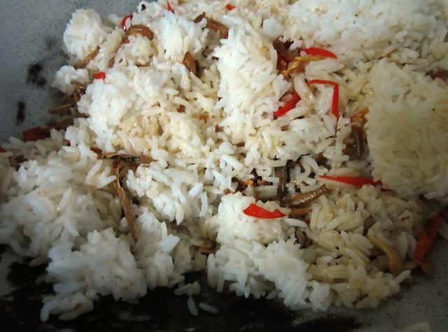 chili, spring onions & serunding udang
