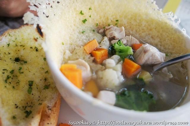 5.chicken vegetable soup@big ben's (5)14.90