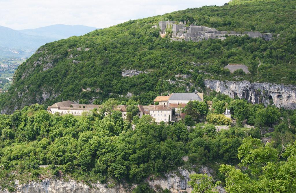 Pierrechâtel et Fort-les-Bancs