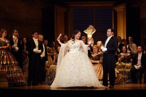 Diana Damrau as Violetta Valery and Francesco Demuro as Alfredo in La traviata, The Royal Opera © ROH / Catherine Ashmore 2014