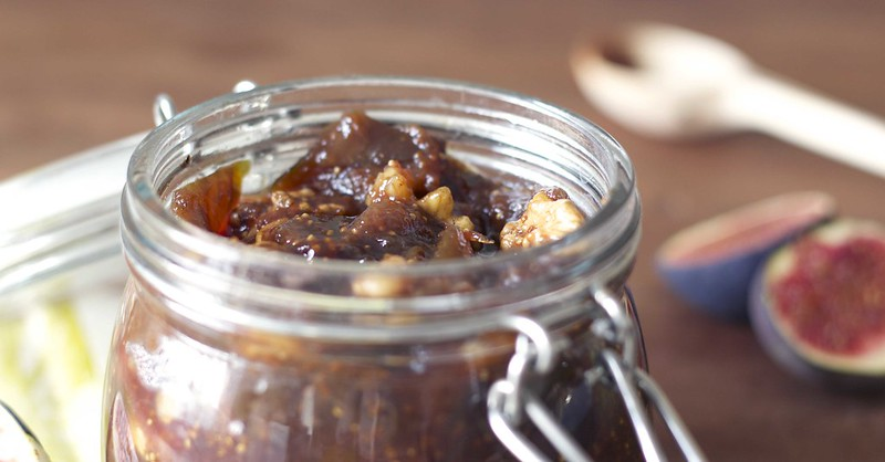 fig and walnut jam detail