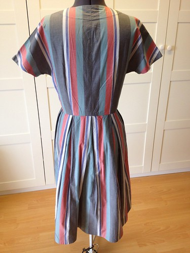 shirting stripe Vogue 9760 back
