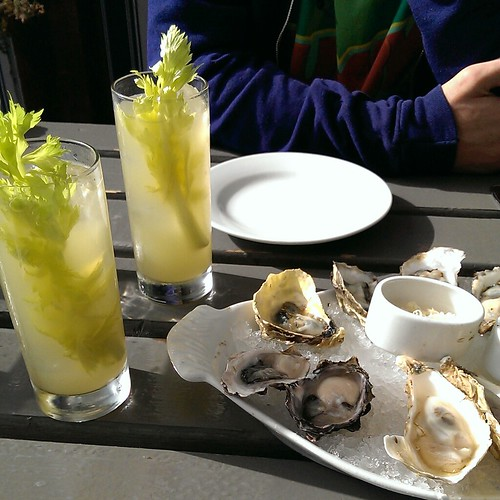 Oysters & Cocktails at The Walrus & The Carpenter
