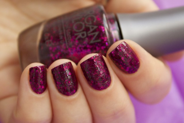 13 Morgan Taylor To Rule Or Not To Rule with topcoat