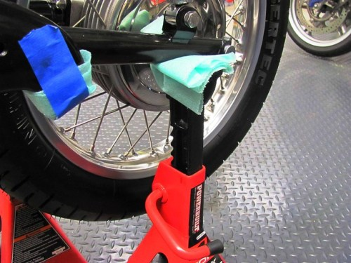 Jack Stand Supporting Swing Arm