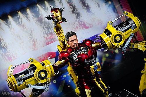 Hot Toys Iron Man 2 - Suit-Up Gantry with Mk IV Review MMS160 Unboxing - day3 (24)