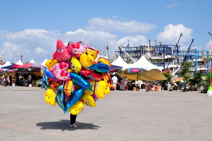 vendor covered by balloons 2