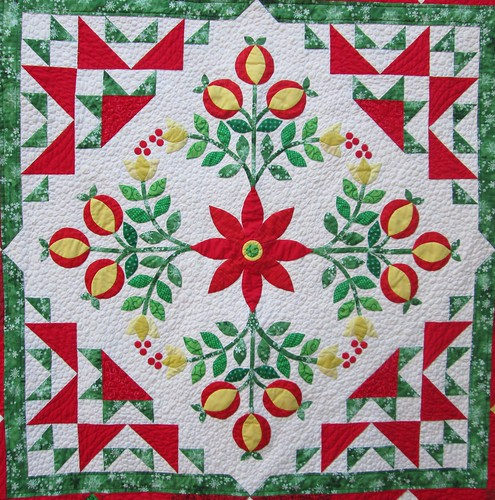 Jingle Finished Quilt - Center Focus