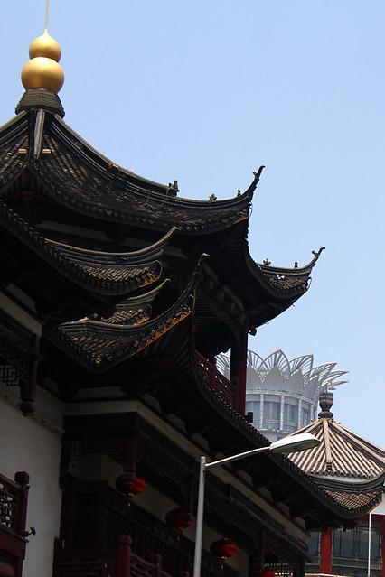 Near Yuyuan garden
