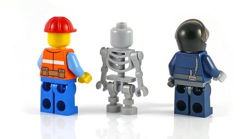 LEGO The Movie 70807 MetalBeard's Duel figs02