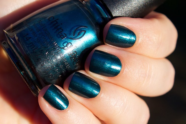 03 China Glaze Autumn Nights Tongue & Chic