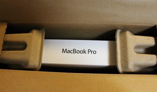 MacBookPro 13inchを開梱