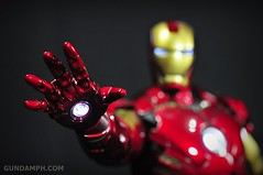 Hot Toys Iron Man 2 - Suit-Up Gantry with Mk IV Review MMS160 Unboxing - day1 (43)