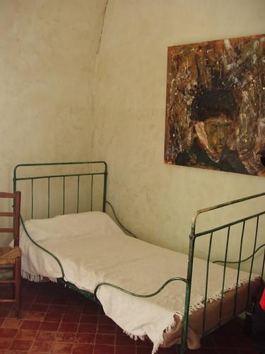 201007090126_Van-Gogh-bedroom