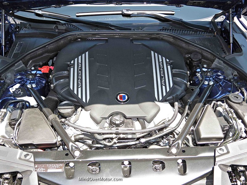 BMW Alpina B7 4.4L Twin Turbo V8 Engine
