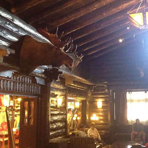 Inside El Tovar