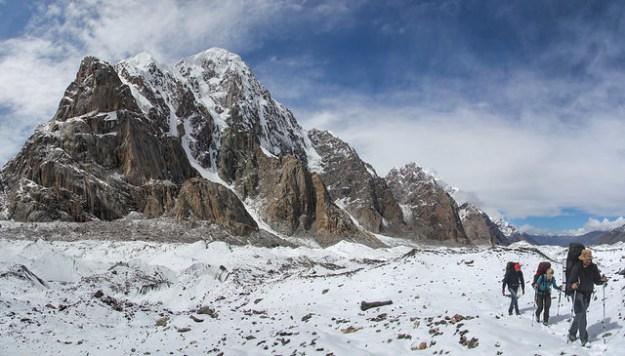 From Komsomolets to Dikiy. South Inylchek Glacier Trek