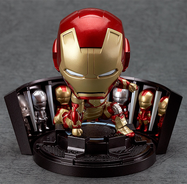 Nendoroid Iron Man Mark 42: Hero Edition + Hall of Armor Set