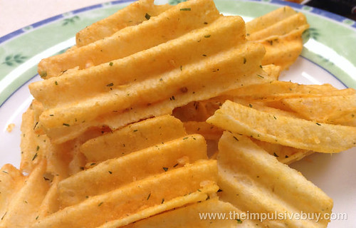 Ruffles Ultimate Loaded Bacon & Cheddar Potato Skins Potato Chips Closeup