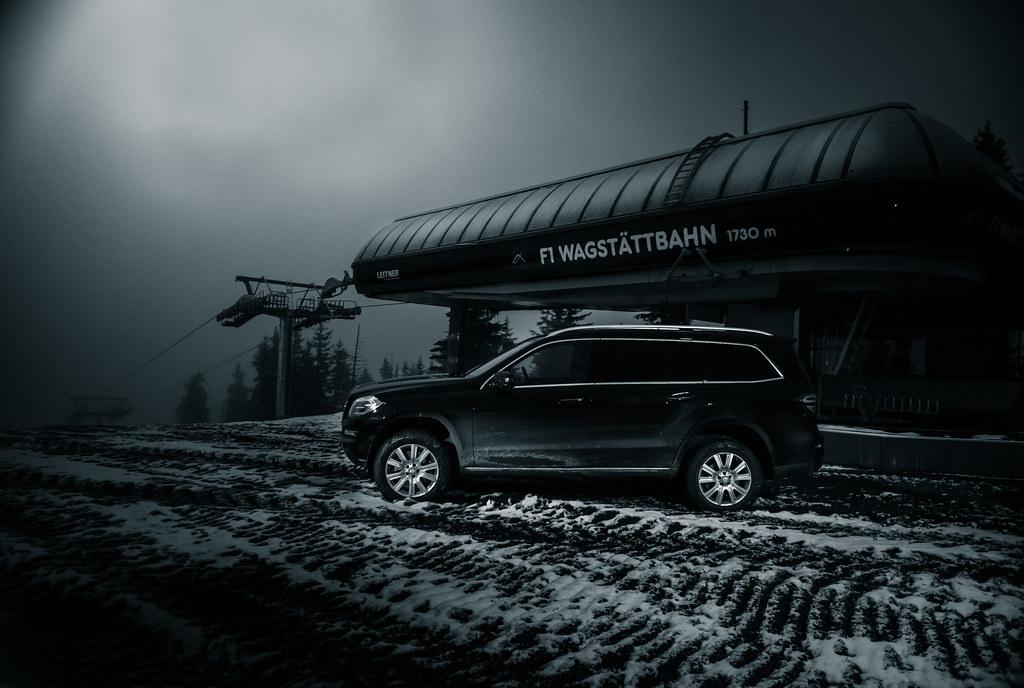 Mercedes-Benz GL up on the mountain next to the Ski-lift