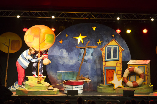 "Blunderbus Theatre Company, ""How to catch a star"""