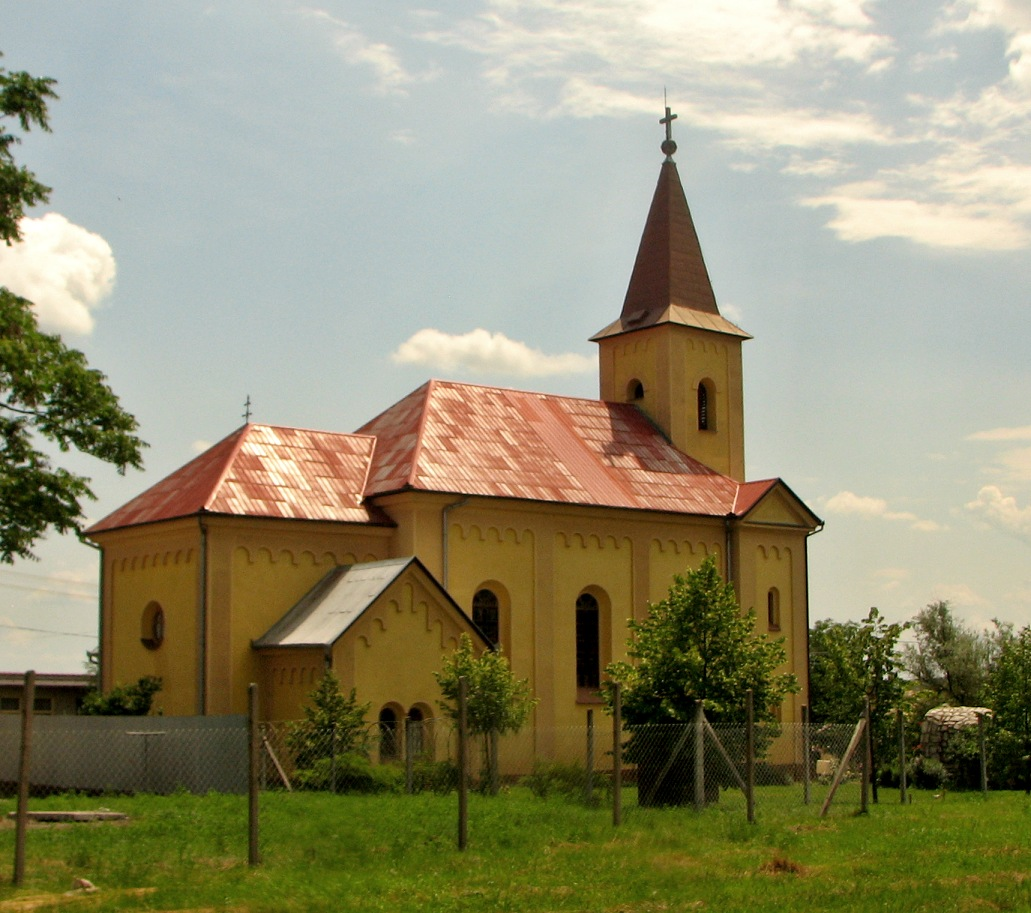 Katolícky kostol v Leseniciach