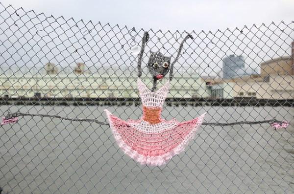 Yarn dancer