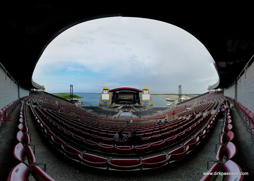Jones Beach Theater by Dirk Paessler