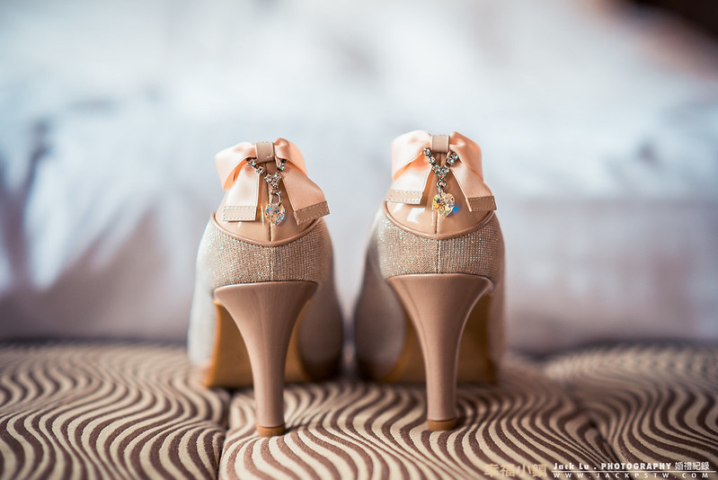 這次的新娘的鞋子好漂亮