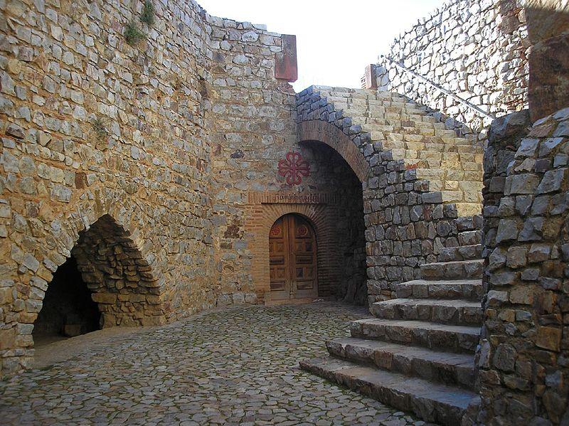 11. Patio interior de la fortaleza de Calatrava la Nueva. Autor, Valdoria