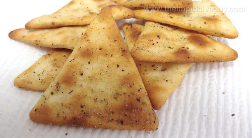Keebler Town House Mediterranean Herb Pita Oven Baked Crackers Closeup