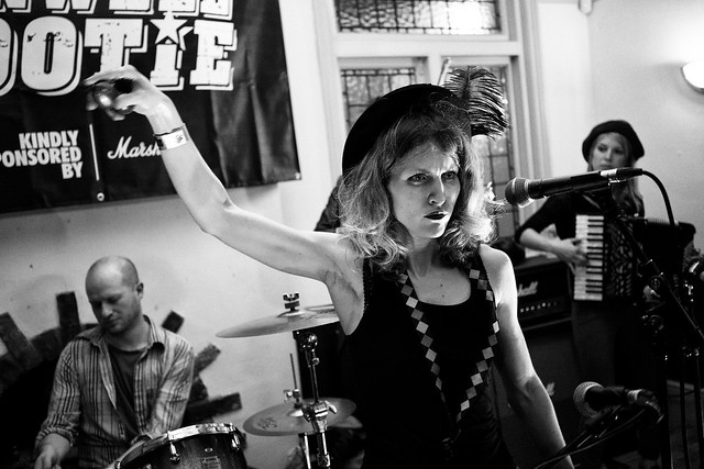Ella and the Blisters at Hanwell Hootie