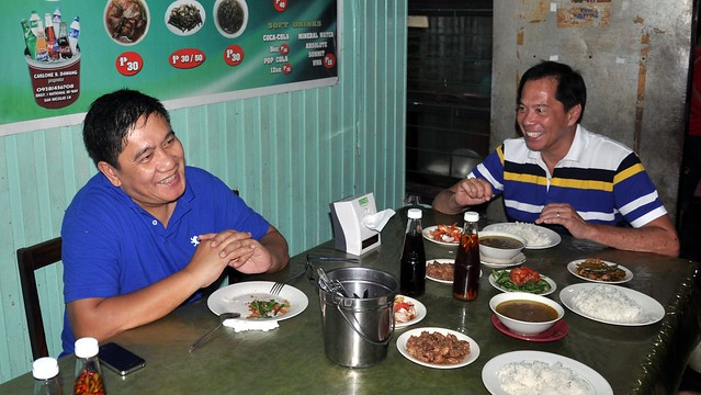 Sandy Daza eats at Dawang's