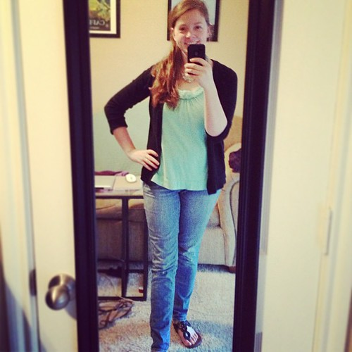 Oh hallelujah, it's casual Fribsday! This #ootd is brought to you by exhaustion :p