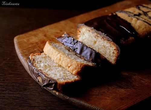 Crusty hazelnut loaf cake