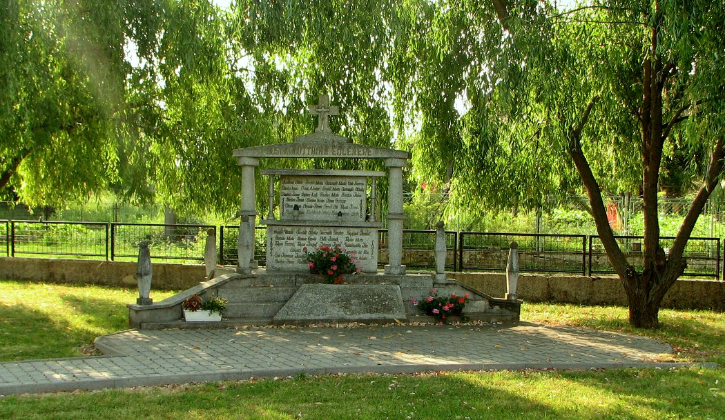 Pamätník padlým vo Vrbovke