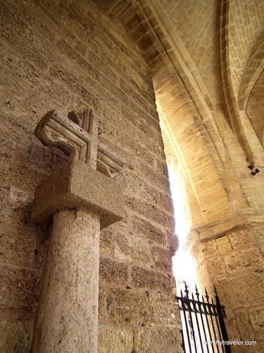 Croix à Église Saint-Gervais-et-Protais de Caux