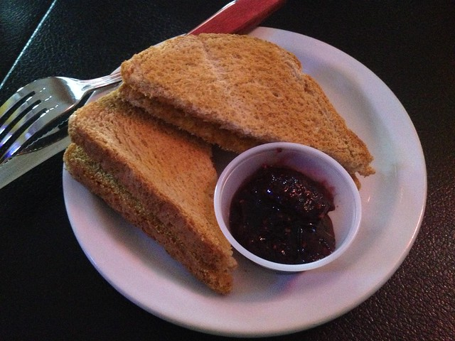 Wheat toast - Wingmasters Sports Bar