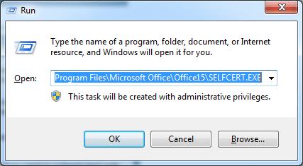 เรียก Run Dialog ขึ้นมา แล้วพิมพ์ %ProgramFiles%\Microsoft Office\Office15\SELFCERT.EX ลงไป