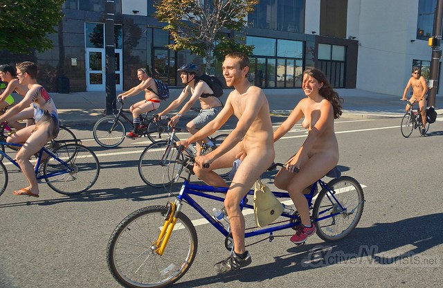 naturist 0026 Philly Naked Bike Ride, Philadelphia, PA USA