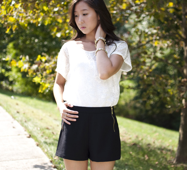 forever 21 lace top, forever 21 black shorts, black leather pumps, personal style, tobi bracelet, chain bracelet, gold bracelet, gold rings