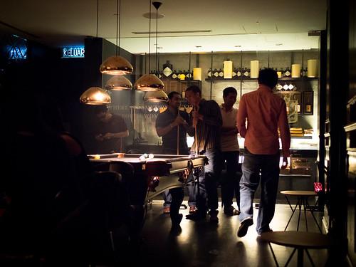Tate里唯一的撞球桌,后面是酒库及雪茄区