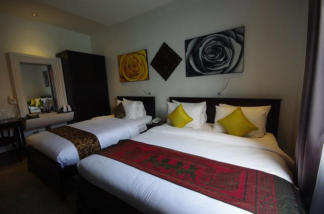 room at la rose boutique hotel and spa phnom penh