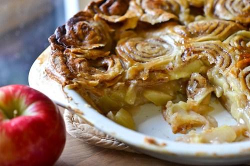 Cinnamon Bun Apple Pie-18