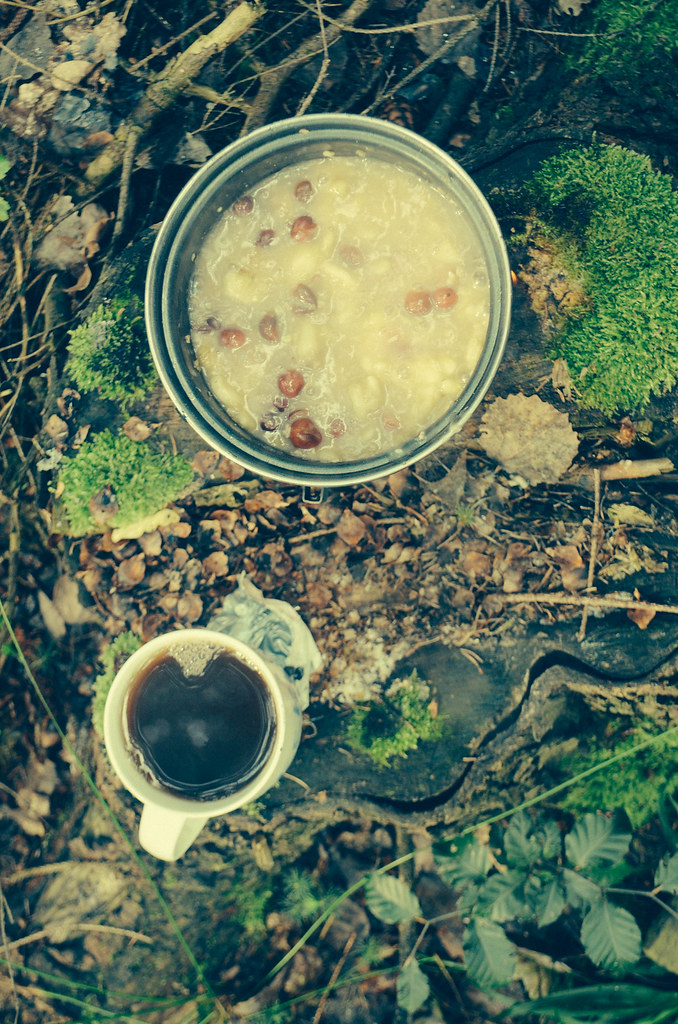 21 porridge and coffee in the forest