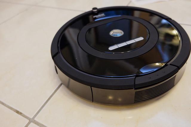 「開箱」超推薦~讓灰塵毛髮完全KO的 – iRobot 770 掃地機器人 – 強生與小吠的Hyper人蔘~