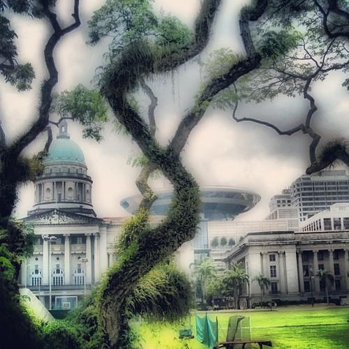 Supreme Court & Parliament #singapore by @MySoDotCom