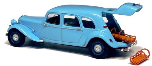Universal Hobbies Citroën 11 commerciale
