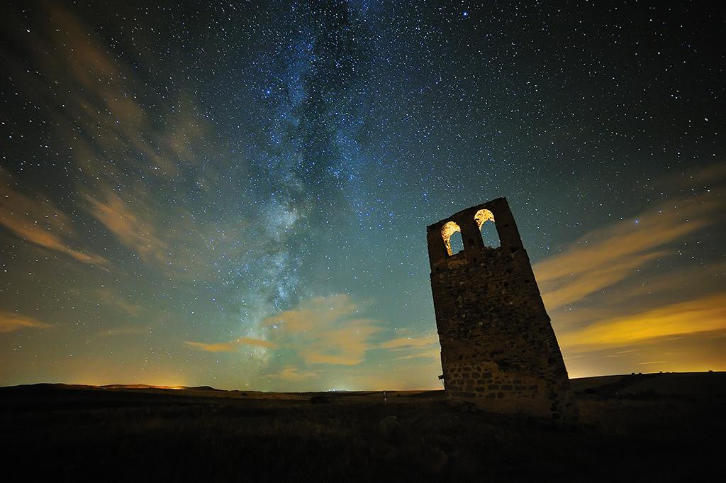 3. Luz oculta del Universo. Autor, Fusky